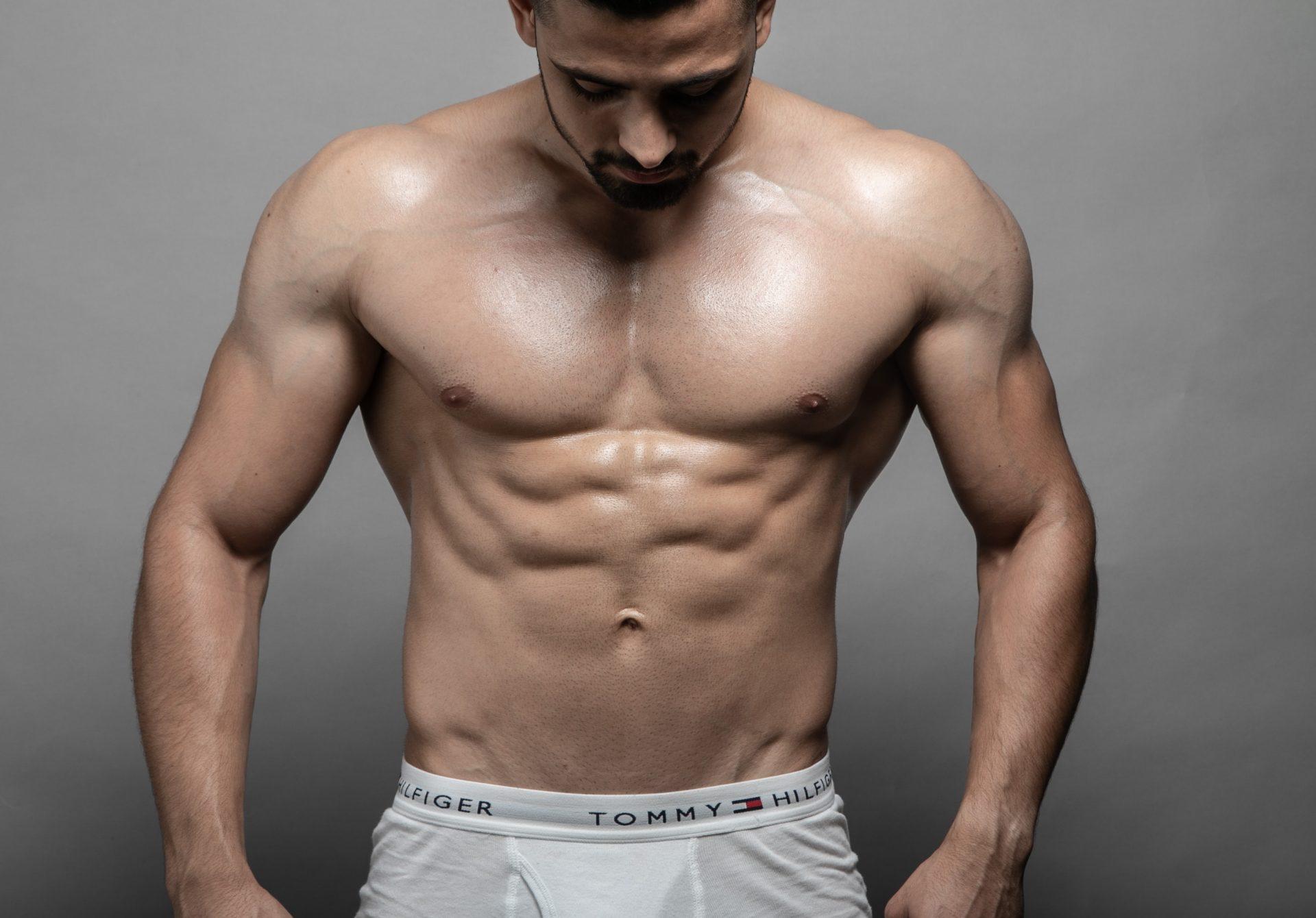 細マッチョで鍛えるべき部位は胸筋と腹筋